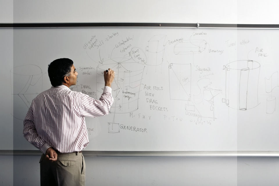 What is the name of the degree offered for Aeronautical Engineering?