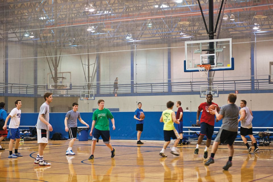 Intramural basketball in the Simon Rec Center