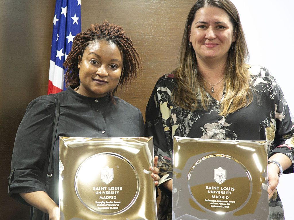 The SLU-Madrid Alumni Association honored Tadzoka Pswarayi '10 and Andreea Niculea '04 at the fourth annual Distinguished Alumni Awards Ceremony.