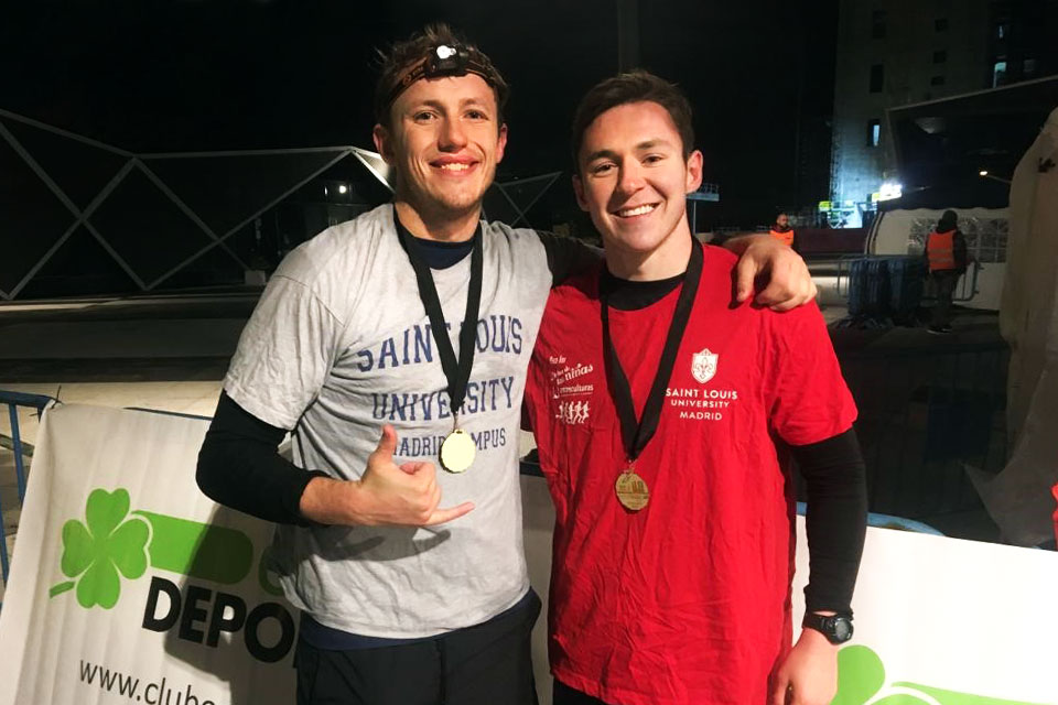 Co-founders of the SLU-Madrid Running Club William Carrick and Connor Christensen raised funds to support Casa Ronald McDonald and completed the Ecotrail 80 km ultramarathon.