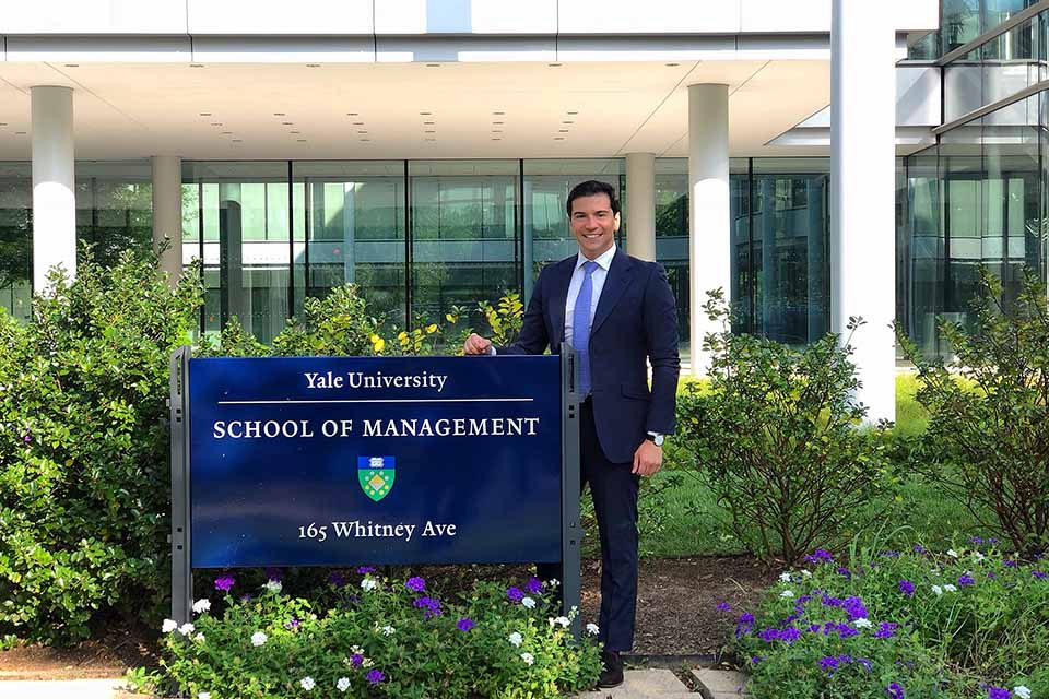 Eresto Méndez Chiari ('10) is currently pursuing a Master in Advanced Managament at Yale University in the United States.