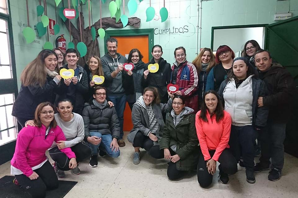 Ten student volunteers travelled to the village of Puertollano (Ciudad Real) for the third semiannual weekend of service, cultural exchange and memory-making with the local children.