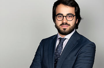 Gilberto Lantigua '18, whose studies took him from a German elementary school in the Canary Islands, to New York, Madrid and California, leverages the lessons learned throughout his international education to launch his career in finance.
