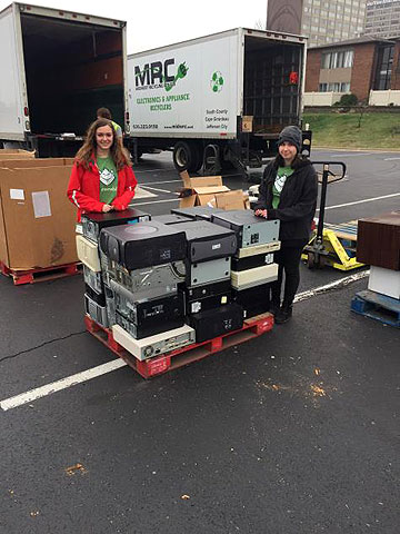 Students volunteer at the E-Waste Drive