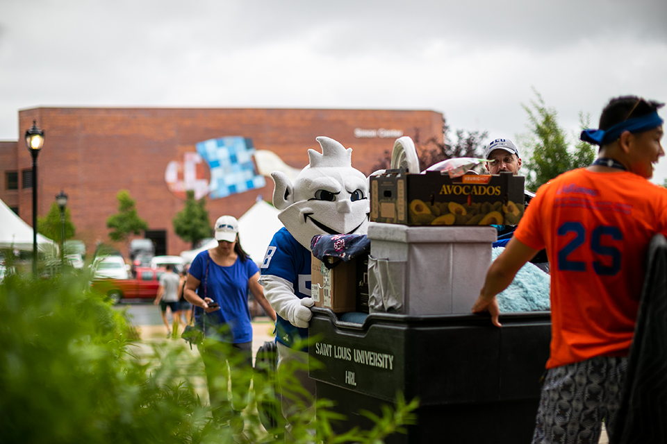 Fall Welcome kicked off Thursday as first-year students began moving into on-campus housing at Saint Louis University.