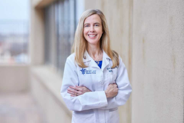 Krista Lentine, M.D., Ph.D., who is professor of medicine at SLU and medical director of living donation at SSM Health Saint Louis University Hospital, recently received the National Kidney Foundation's 2021 Excellence in Transplantation Award.