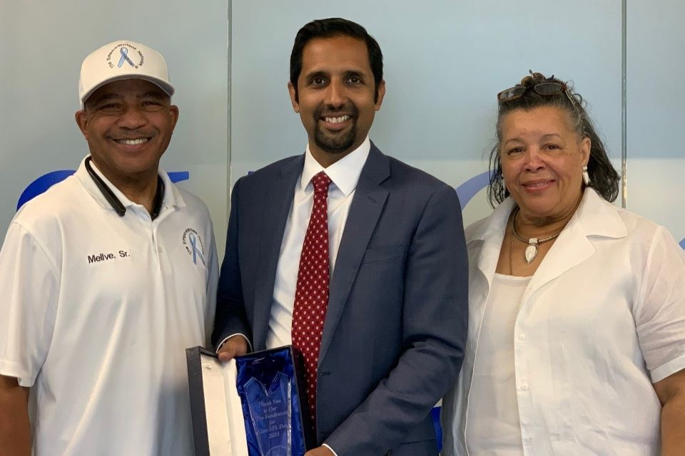 Sameer Siddiqui, M.D. receives the Blue Diamond Award from The Empowerment Network