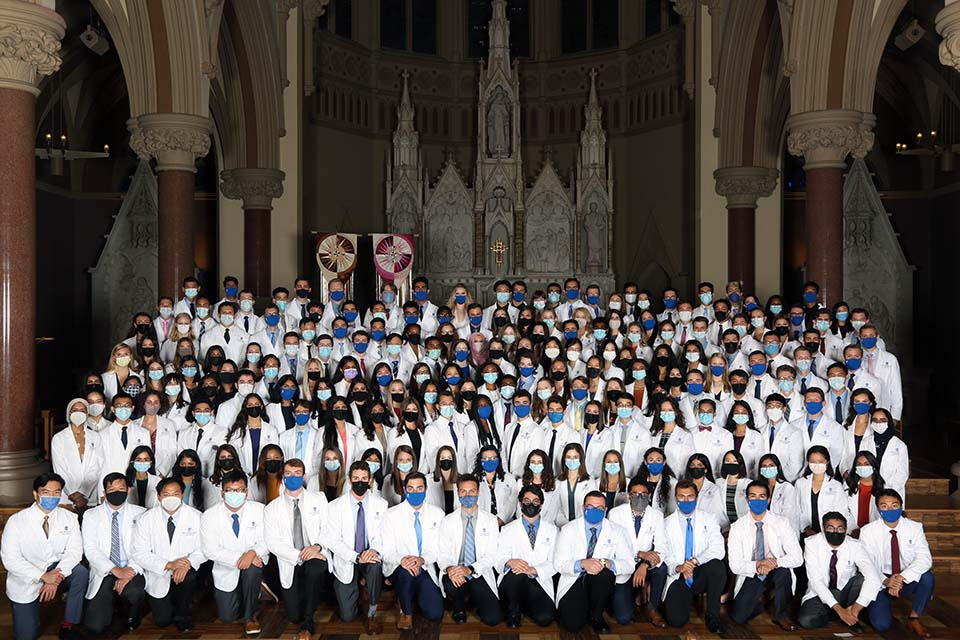 The Saint Louis University School of Medicine's Class of 2025. Photo by Kyle Kabance.